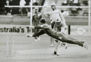 5 Iconic Cricket Images in the history of Cricket